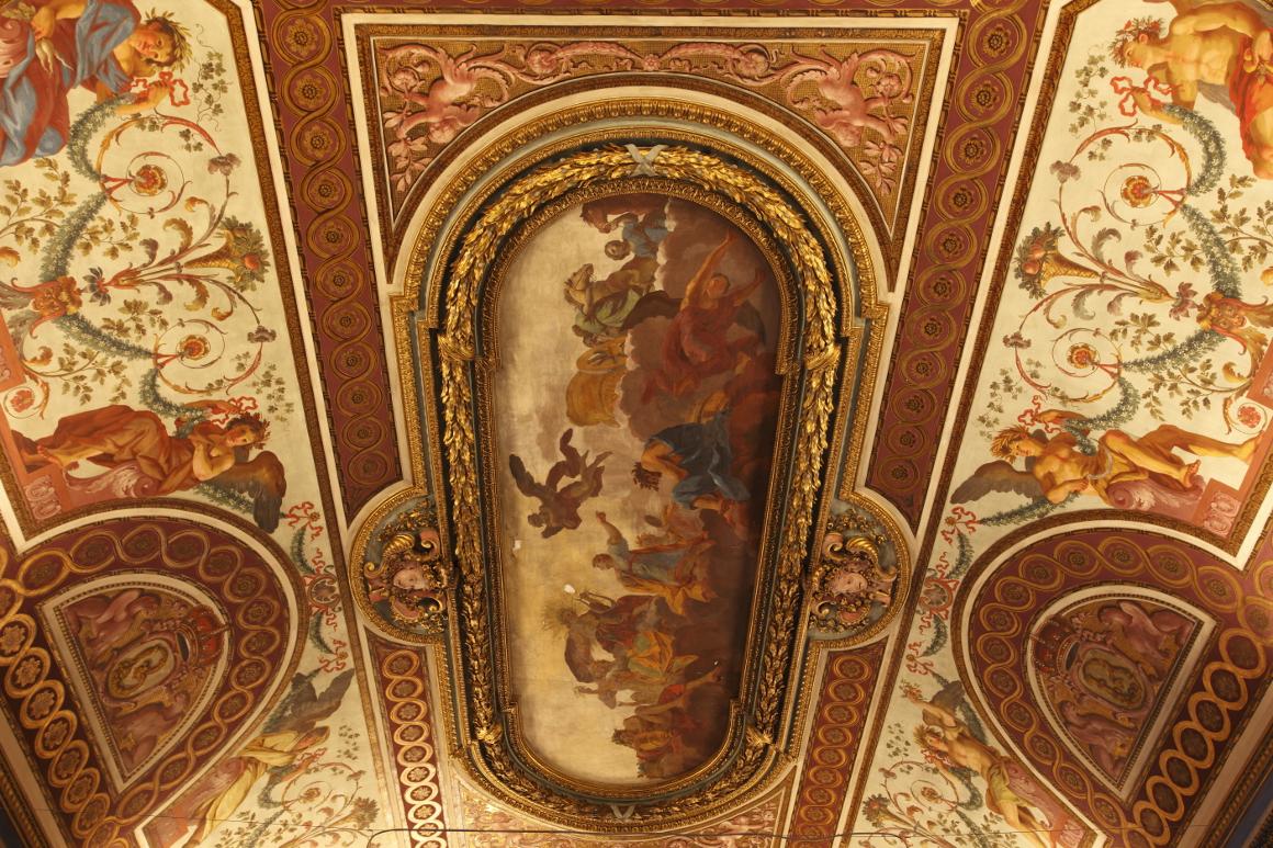 Le decorazioni di palazzo Bonaparte / ph. Andrea Artoni