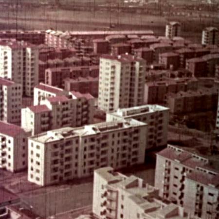 """Frame di """"Case per il popolo"""" con vista del Piano Ina-Casa al Quadraro (1953)"""