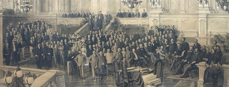 The staff of the Budapest branch portraied in a photograph donated to Secretary General Edmondo Richetti (Budapest, 1899) / ph. Massimo Goina