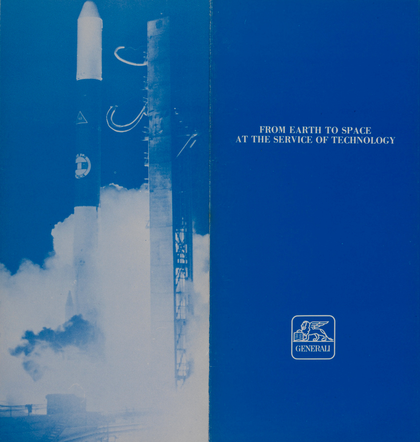 Brochure illustrativa dell'ufficio tecnico rischi spaziali, con l'immagine del lancio del satellite Sirio (1983)